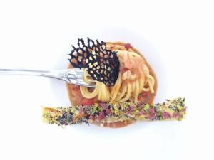 Spaghetto di Gragnano in zuppetta di astice e cialda croccante